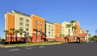 Comfort-Inn-Suites-Universal-CC-exterior
