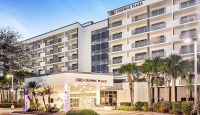 Hotel Crowne Plaza View Of Front Of Building